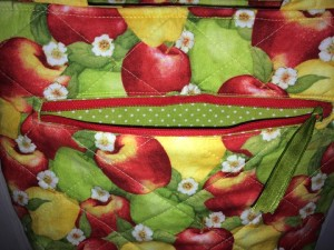 ApplePurse-111315-8-FrontPocket