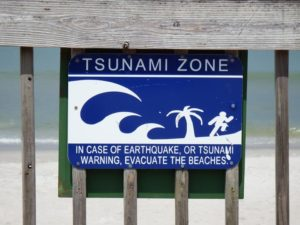 129-FL-BicentennialBeach-Tsunami-Sign